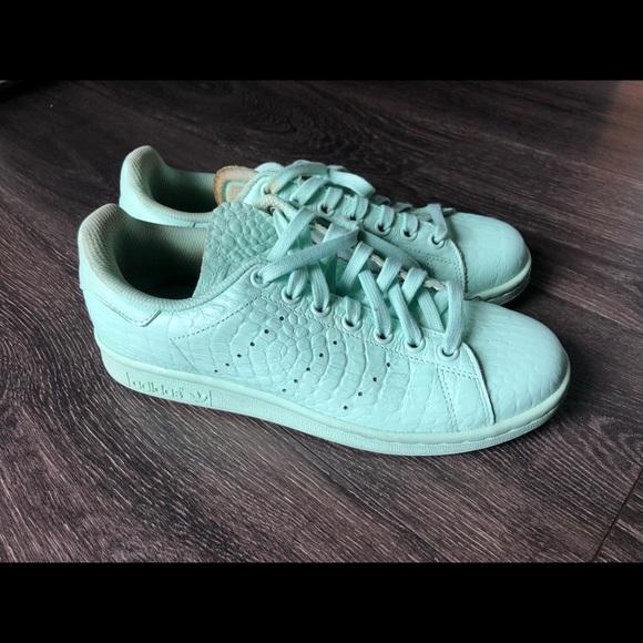 huge discount 586ac 1d34b Adidas Stan smith Women's us 6.5 sneakers
